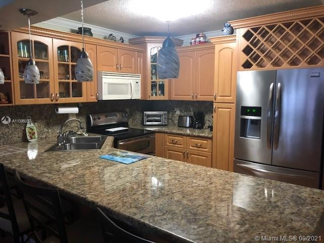 Large one bedroom/ one and a half bath, turnkey, fully remodeled apartment.  Granite kitchen counter