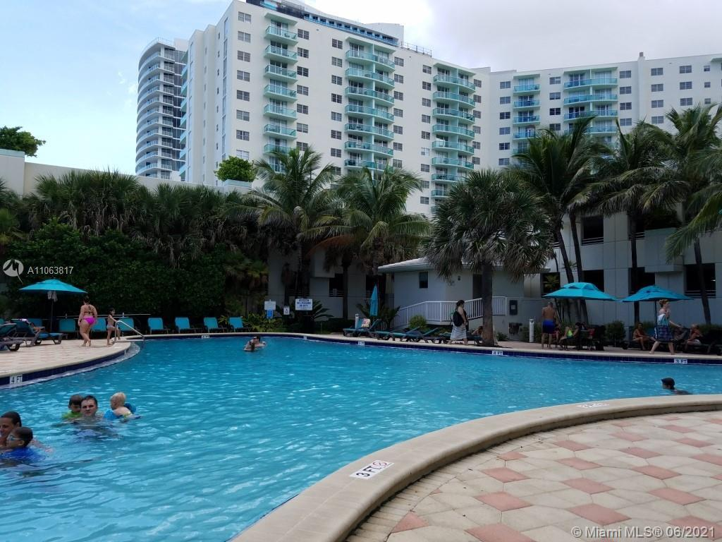 Oceanfront building, city and Intracoastal view, unit completely furnished, state of the art ameniti
