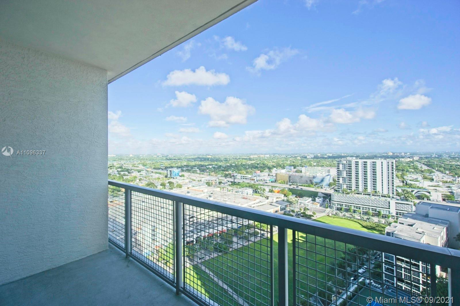Great convertible one bedroom unit in the heart of midtown! Walkable lifestyle with great restaurant