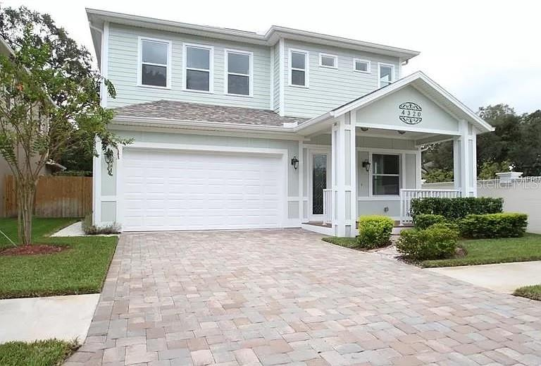 Newly built home with an open floor plan and high quality finishes throughout.  It is in the desirab