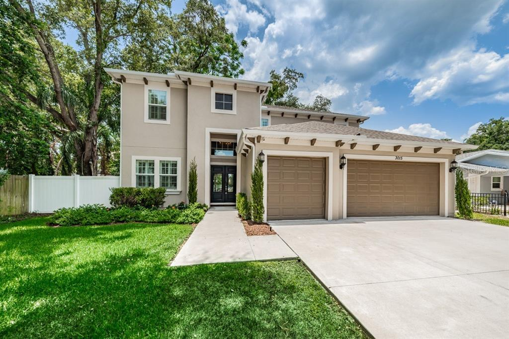 (New Pictures of a Pool Design) Stunning home in South Tampa. 4 bedrooms, 4 baths oversized 3 car ga