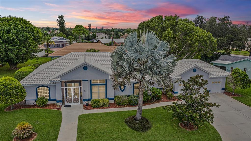 INCREDIBLE 4 Bedroom, 3 Bathroom, with a POOL, & 3 Car Garage Home on an OVER-SIZED LOT in desirable