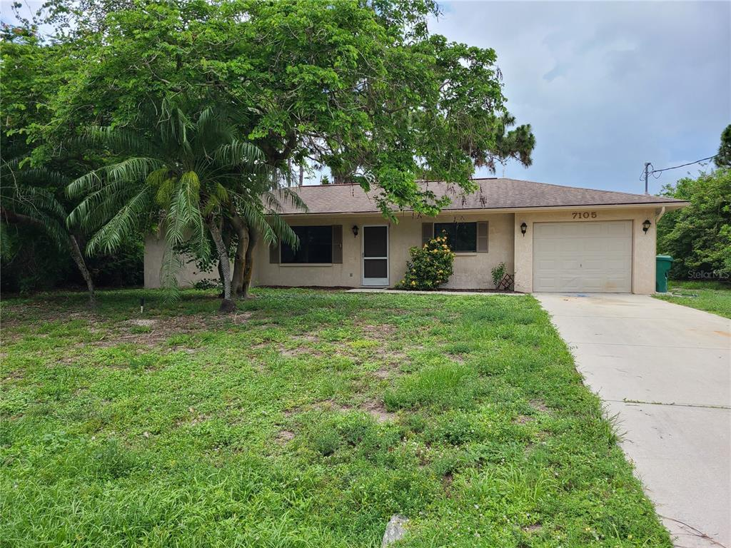 WELL MAINTAINED 2 BEDROOM, 2 BATH, 1 CAR GARAGE. CLOSE TO BEACHES, SCHOOLS AND RESTAURANTS.  FRESHLY