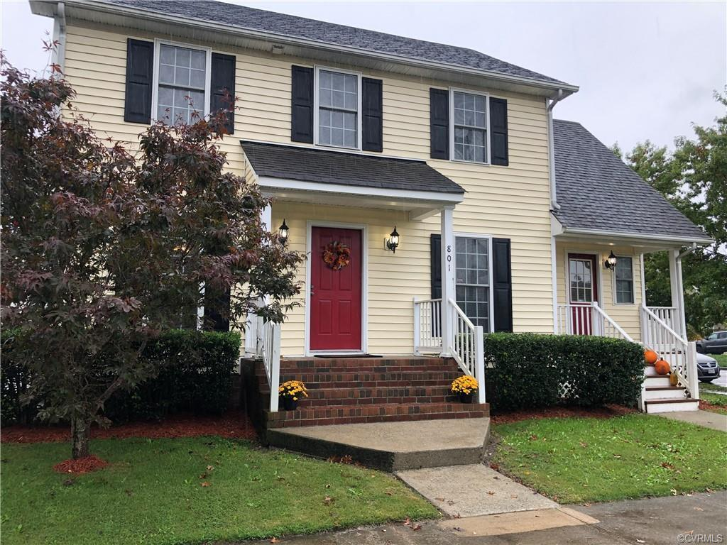 Beautiful home located in Fulton Bottom minutes from down town Richmond. This home has a solar panel