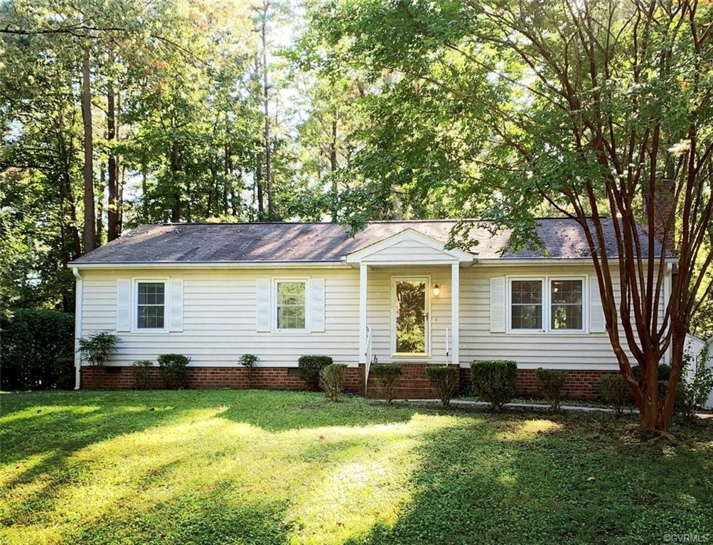 Perfect Home for First Time Home Buyer, Investor or Retiree. Three Bedroom 1 1/2 bath Ranch Style Fi