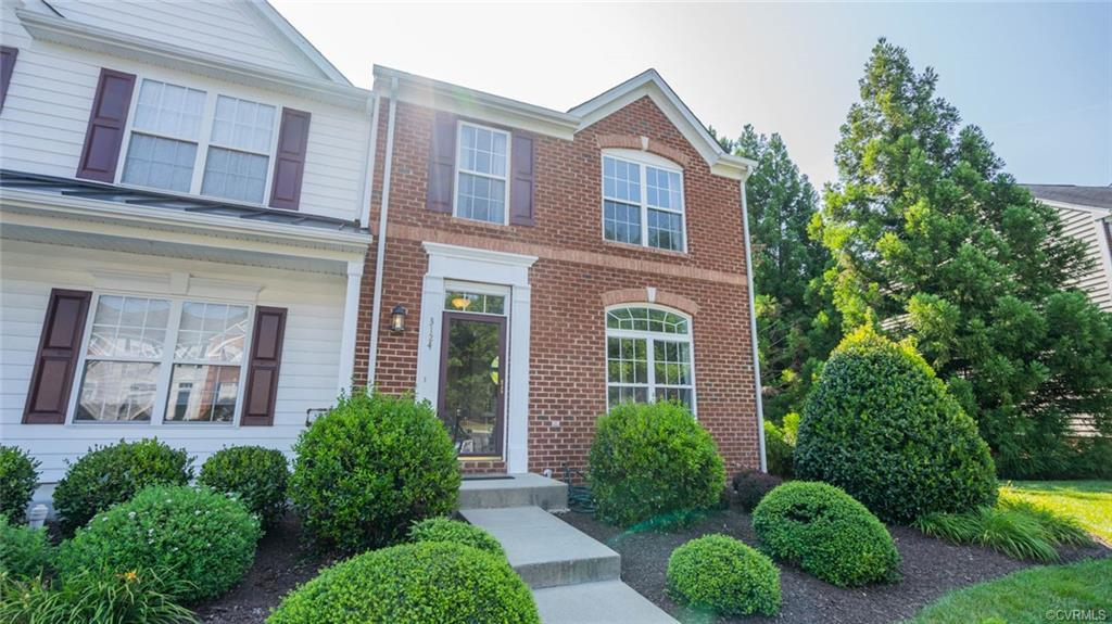 FANTASTIC 3 BEDROOM 3 1/2 BATH END UNIT IN HUNTON PARK!  NEW ROOF GOING ON OCT. 12th! This home has