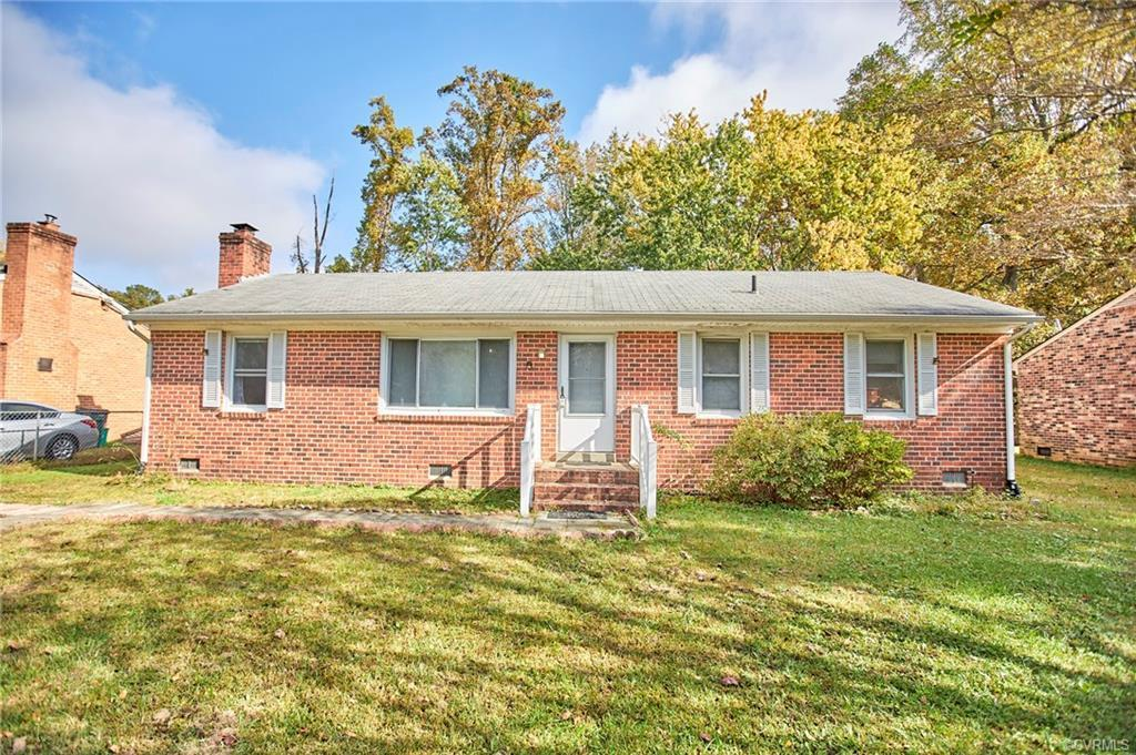 3 Bedroom 1.5 Bath Rancher, brick home. Great opportunity for first time home buyers or investors!