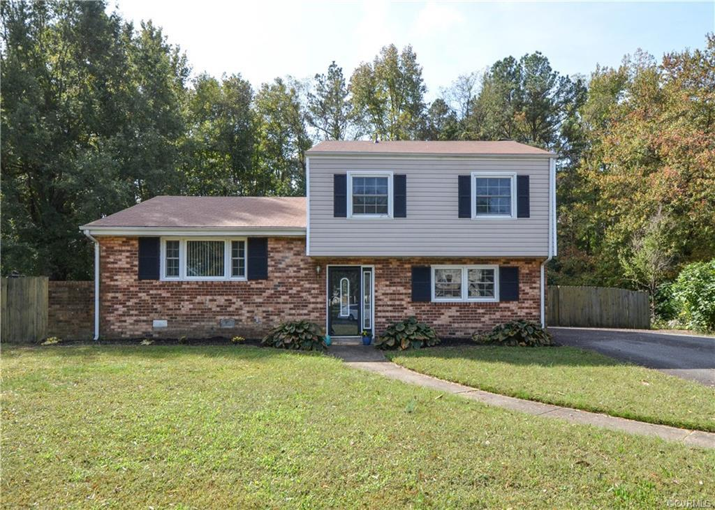 Welcome to 2811 Lito Road! A well maintained 3 bedroom, 1.5 bath home that is move-in ready! Walk in
