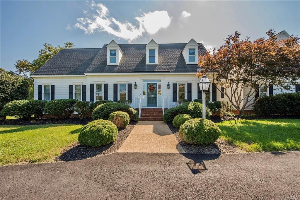 Beautiful custom built home is move-in ready & waiting for you. Impress guests with an open concept