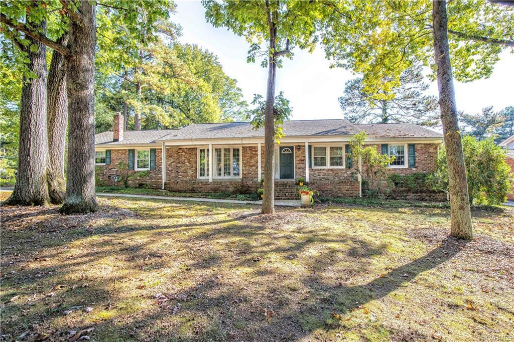 SINGLE-STORY LIVING with 1-CAR GARAGE. Well maintained brick rancher features Freshly Painted Interi