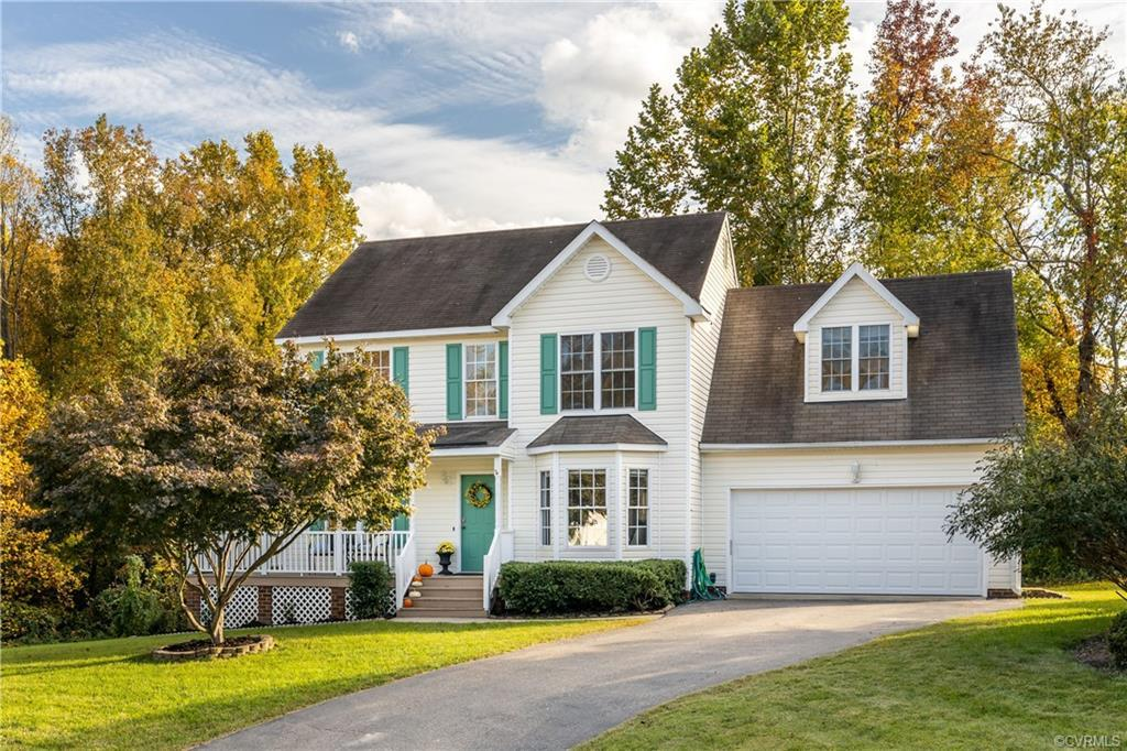 CHARMING ASHLAND, 2-STORY home on QUIET CUL DE SAC with welcoming HUGE WRAP AROUND 18x15x5 FRONT POR