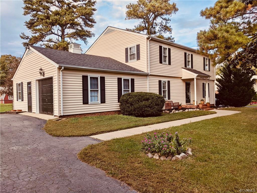 MUST SEE CLASSIC COLONIAL -- super spacious and comfortable! New 30-year roof (2020), HVAC system (2