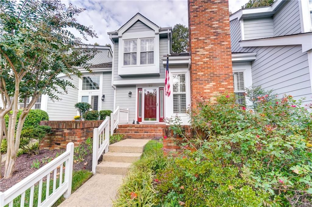 Welcome to comfort & privacy in the Gayton Forest Townhouse Community! So nicely situated in this qu