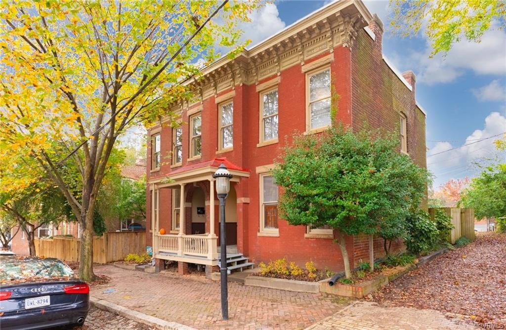 This home has so much potential!  Located in the highly desirable St Johns Historic District, it is