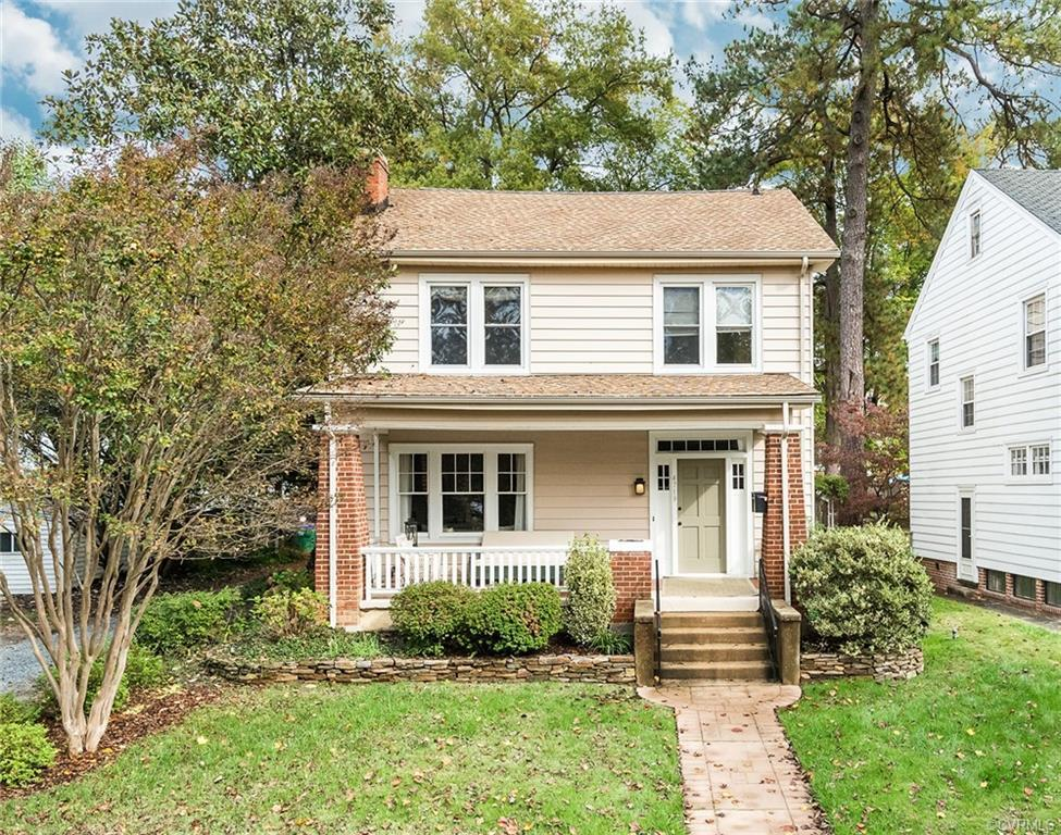 Looking for just the right spot near the river? Don't miss this Westover Hills gem. This lovely four