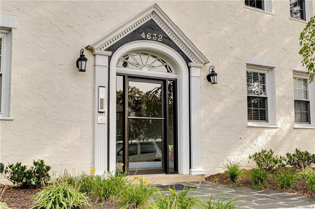 Cute as a button first floor unit in the heart of Westhampton awaits! Walk or bike to Libbie & Grove
