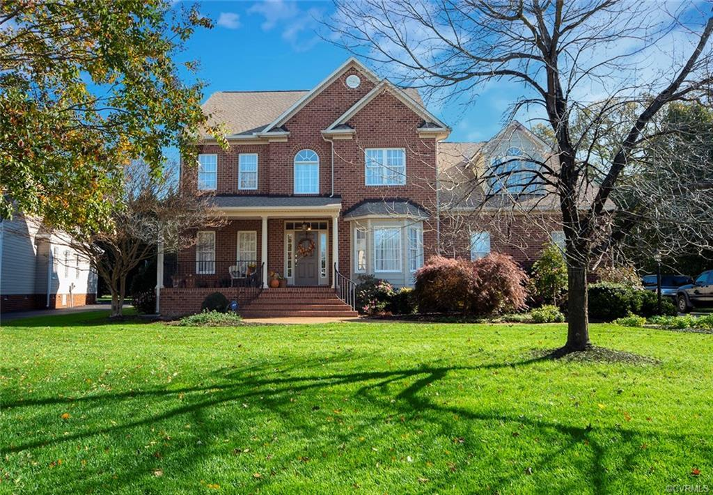 MAGNIFICENT TWO STORY WITH IN-LAW SUITE IN GREAT NEIGHBORHOOD! AMENITIES GALORE!! A MUST SEE! Downst