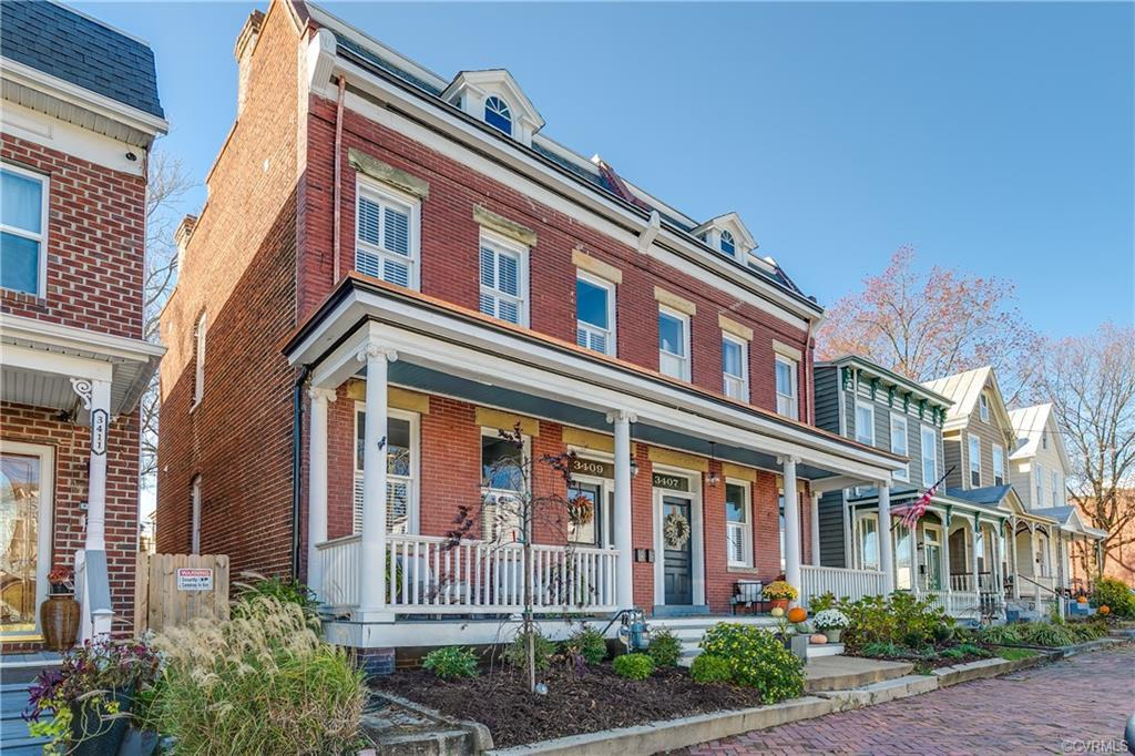 Amazing row home in the Heart of Churchill, one street off Broad ST. and the park!! This home underw