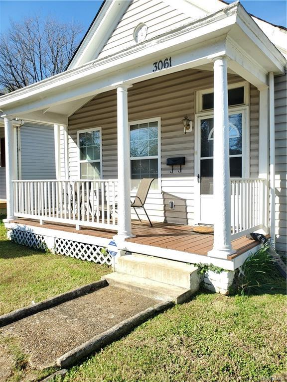 Well cared for Cottage Bungalow located minutes from downtown RVA, conveniently near Forest Hill, We