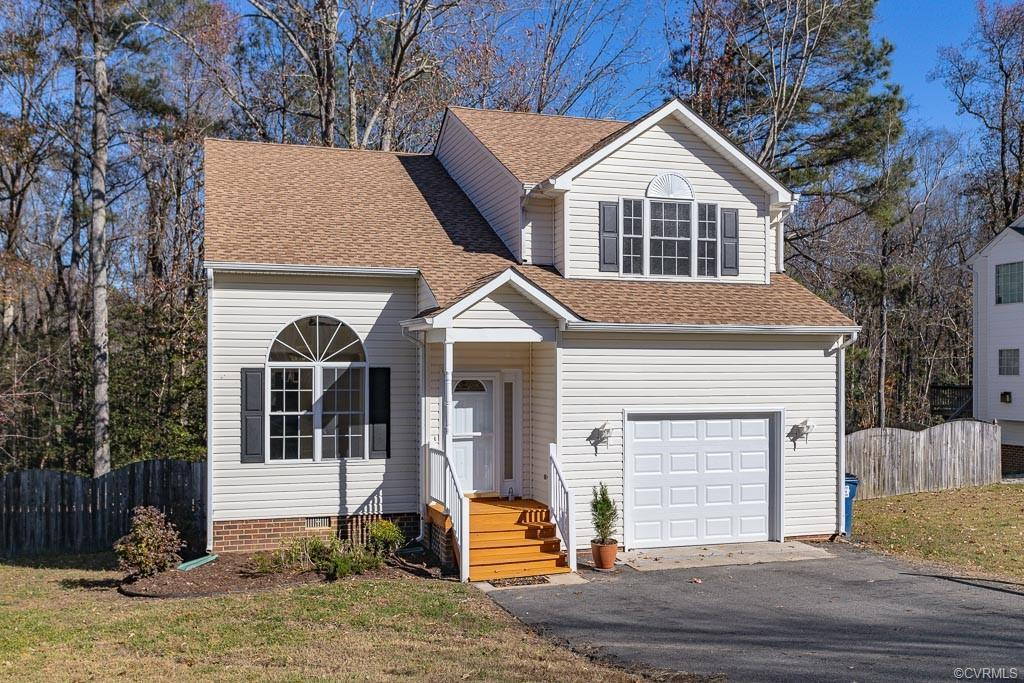 Absolutely gorgeous 2-story in Enon! This beautiful home offers 1,938 square feet, 3 bedrooms and a