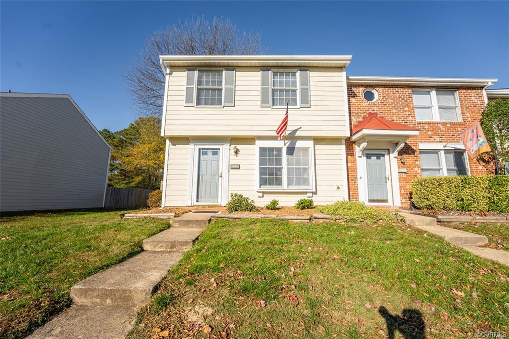 You're going to LOVE this END-UNIT Townhouse in Glen Allen. Well Maintained with Tons of Updates. Ex