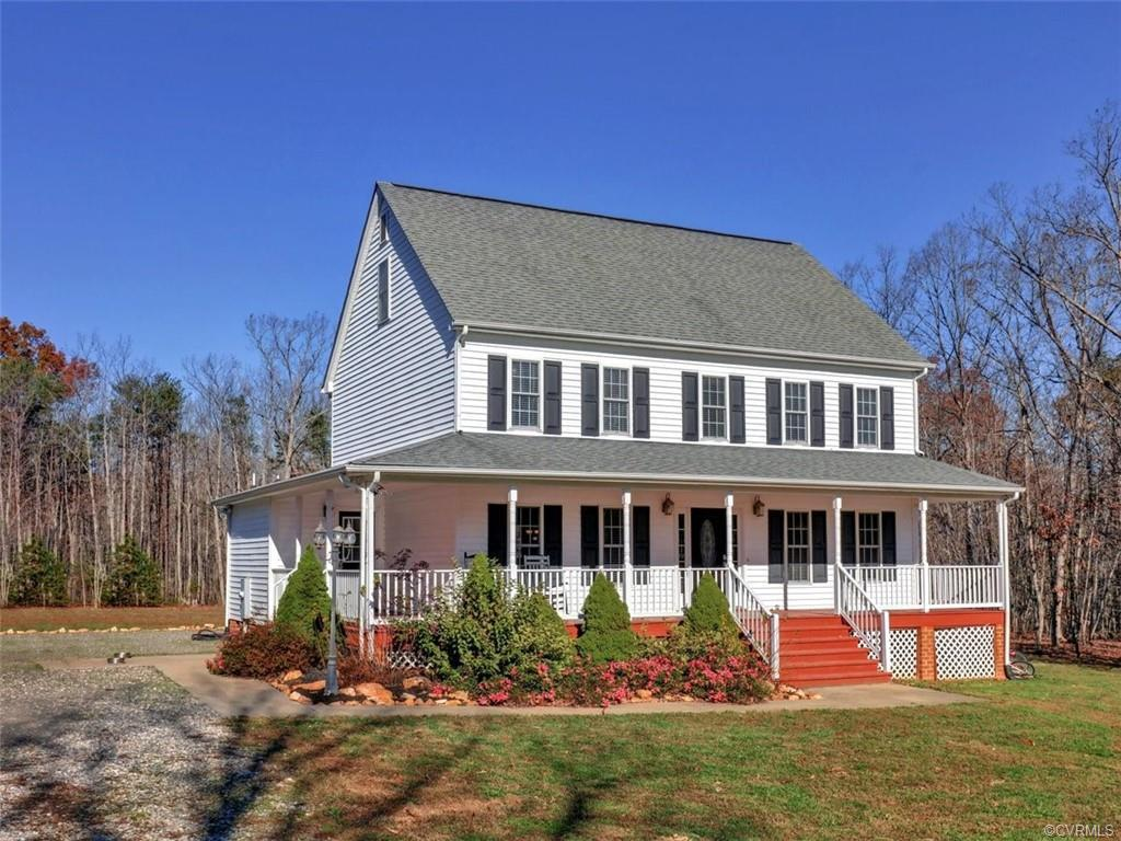 West Goochland. Country Living 30 minutes from Short Pump & Charlottesville. 15 minutes to Neighborh
