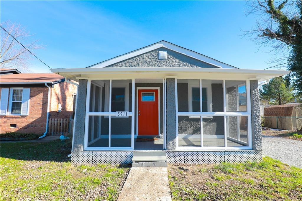 Beautifully renovated home. This move-in ready home features 3 bedrooms & 1 bath. Kitchen has new gr
