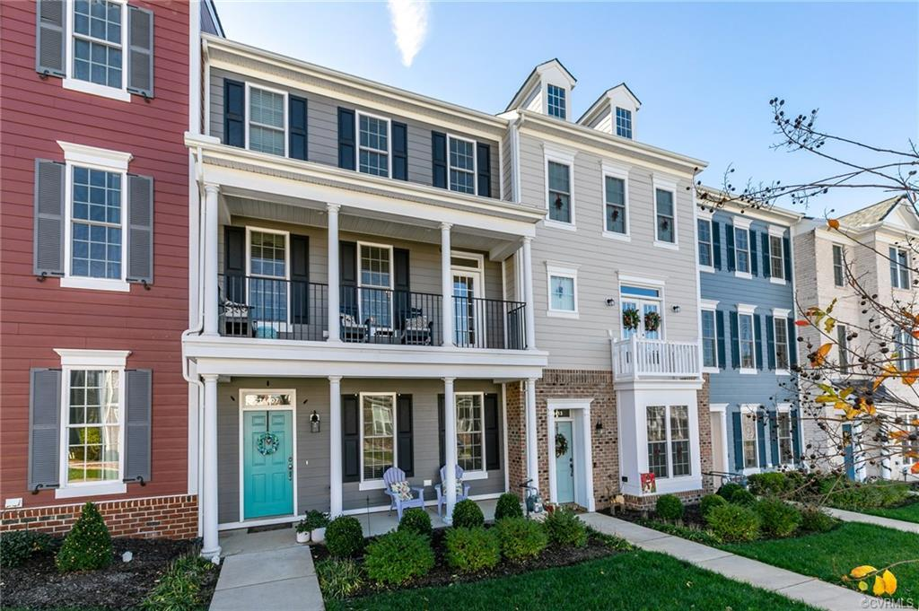 Gorgeous 3 bedroom 2.5 bath Townhome in the heart of Midlothian! Beautifully maintained & move in re