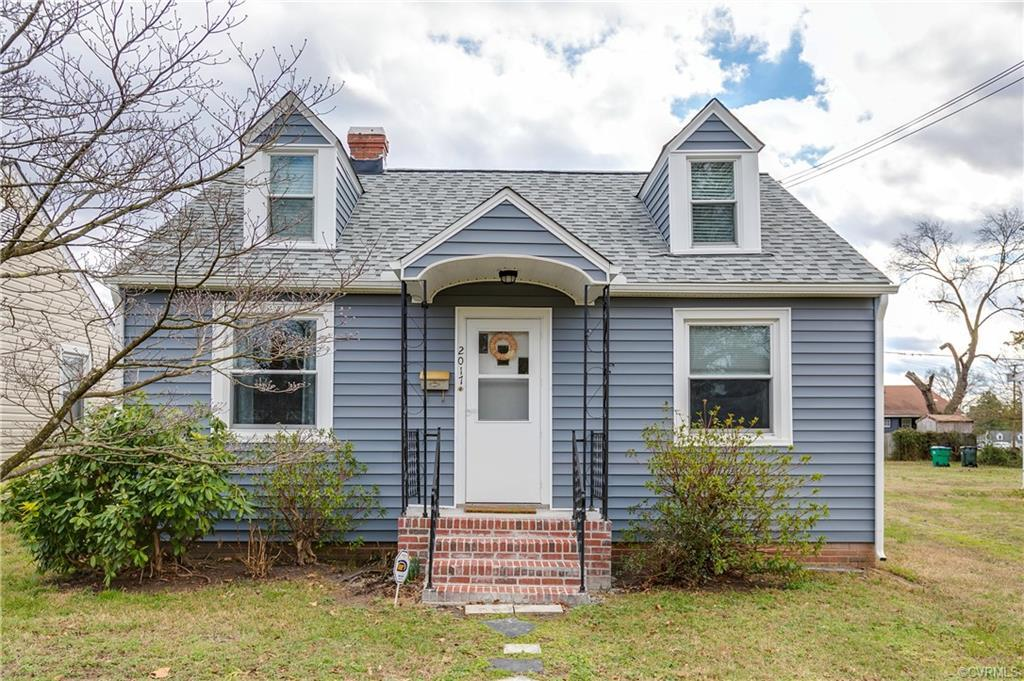 Located in Richmond's Montrose Heights, this intelligently updated cottage with three bedroom