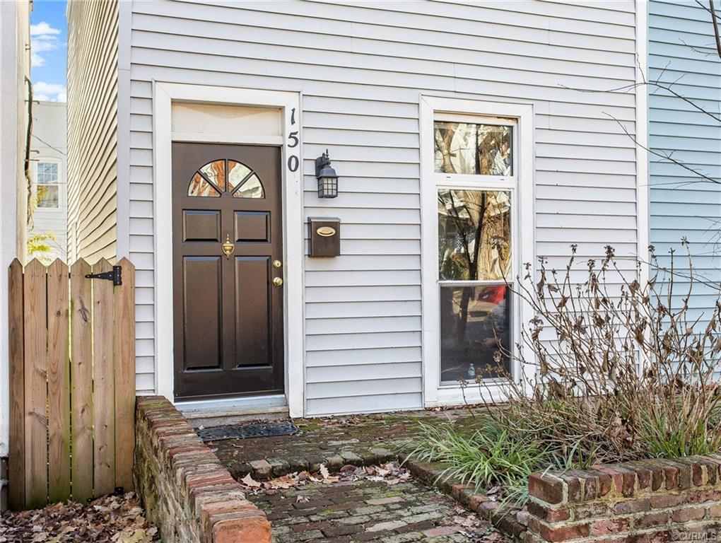 Charming house with character located strategically in the Fan for under $350,000! Nicely updated wi