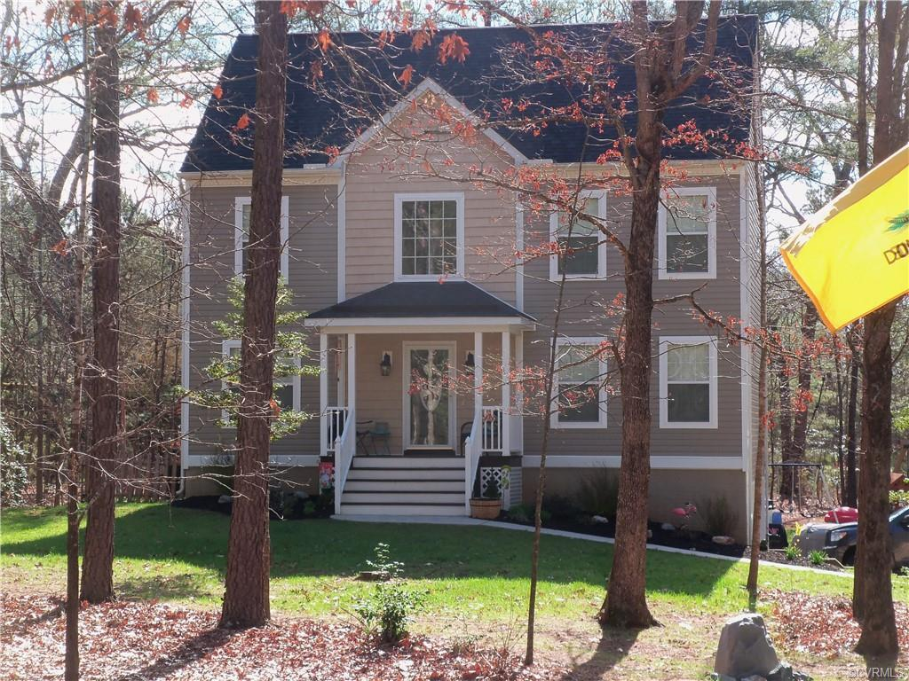10 acre lot with Gorgeous Hardwoods. Exciting new Brandon Craftsman Basement with open floorplan. Wo