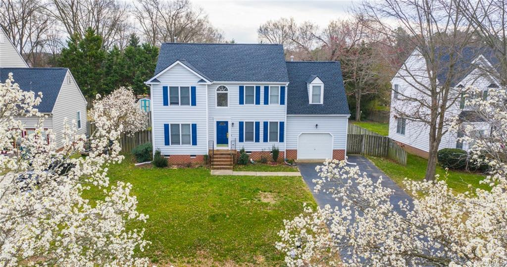 You're going to love the location of in the Glen Allen High School District. This charming home nest