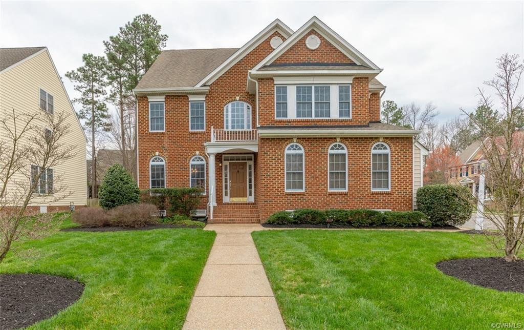 Spectacular! Brick front open layout features 2-story foyer, 9' ceiling, crown molding, formal livin
