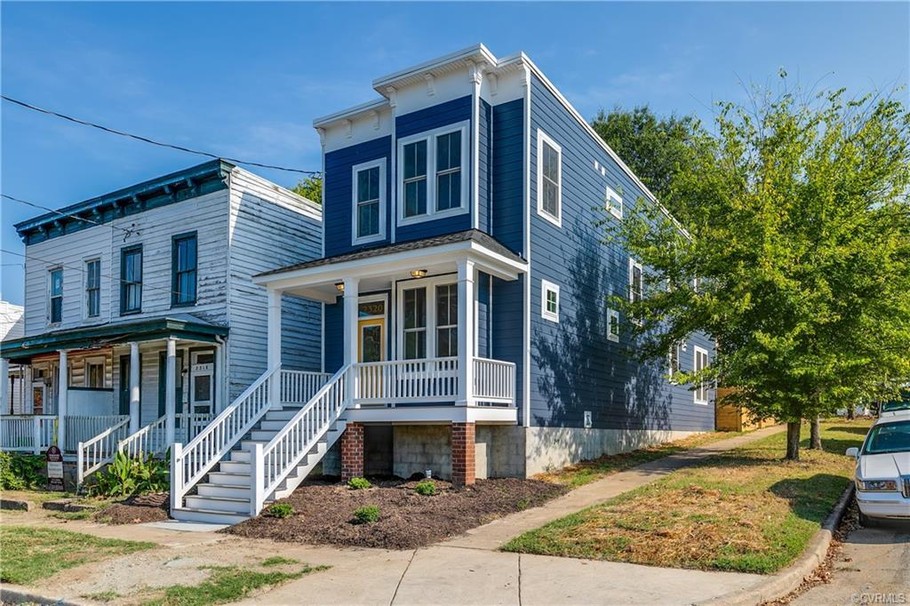 Fantastic brand new home one block from the new Grocery store and the model block! Walk to great cof