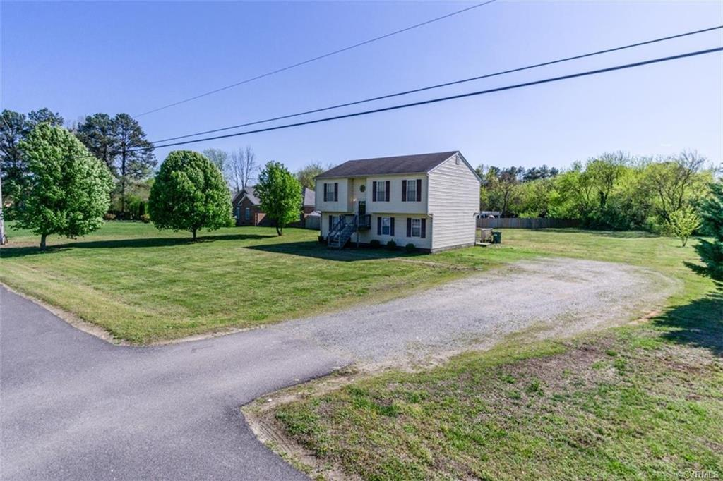 Welcome to 1187 New Market Rd! Located just moments from downtown Richmond, this home could not be m