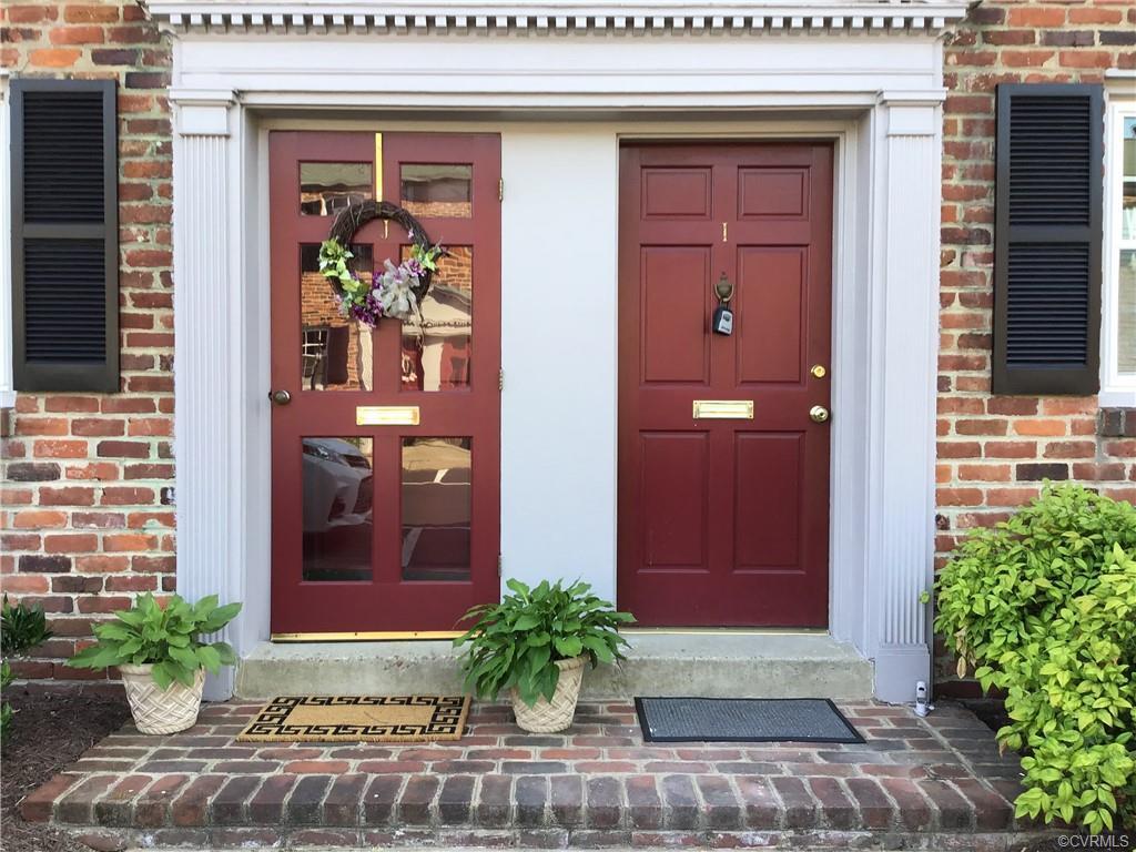 Location, location, location! This condo in Desirable Mount Vernon Condominiums has been totally rem