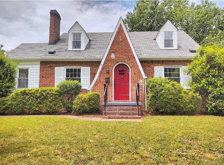 Beautiful and classic home from 1939 in Northside!  This 3 bedroom 1 bathroom home boasts 1743 Sq.Ft