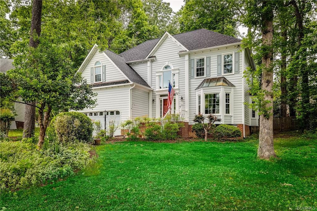 This Colonial style home located in Martin Glen is situated on a quiet cul de sac! NEW roof 2017. NE