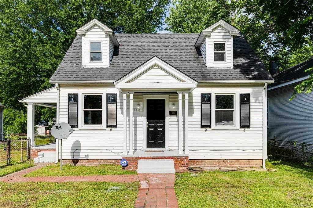 Hard to find. Cute Cottage at this price! Wow. Better hurry!!! Move in ready 3. bedroom 1 bath. Imag