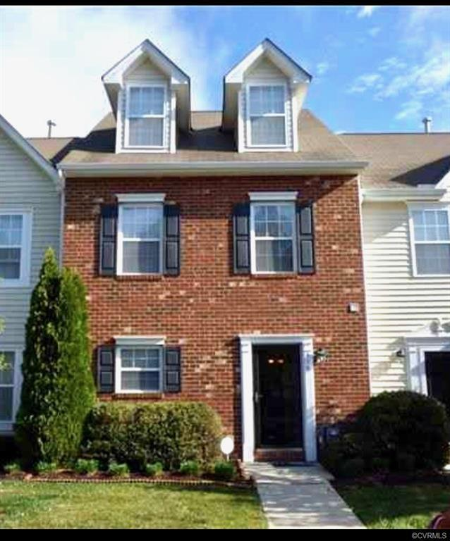 Don't Wait To Come See this Beautiful 3 story 3 Bed 3.5 Bath over 1,700 square feet Town home! Locat