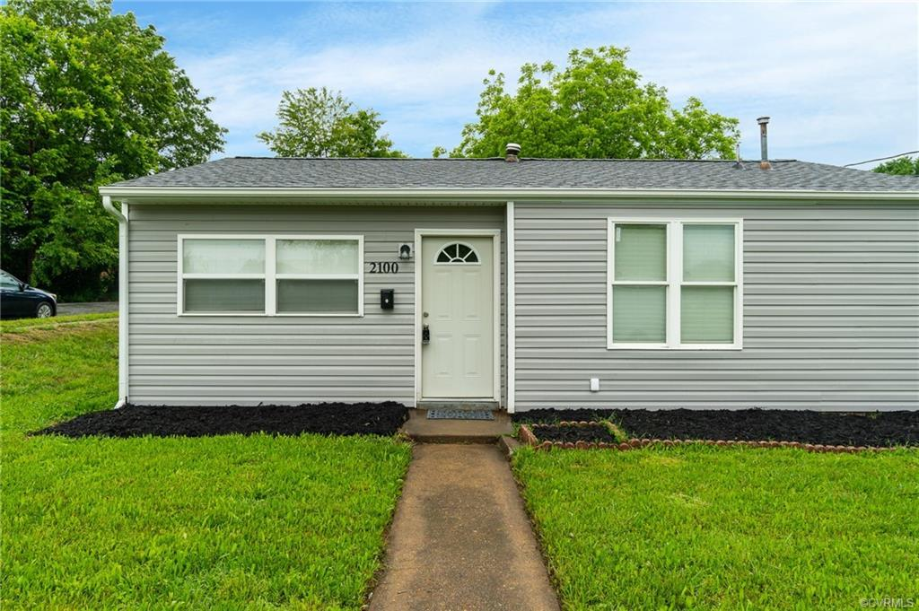 This charming and adorable 3 bedroom 1 bathroom 862 square foot home nestled on a large lot in Rico