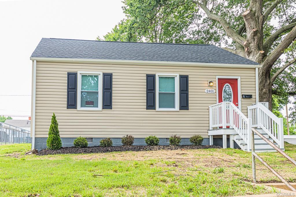 This beautiful 2 bedroom 1 bathroom 884 square foot home is located near Church Hill and is
