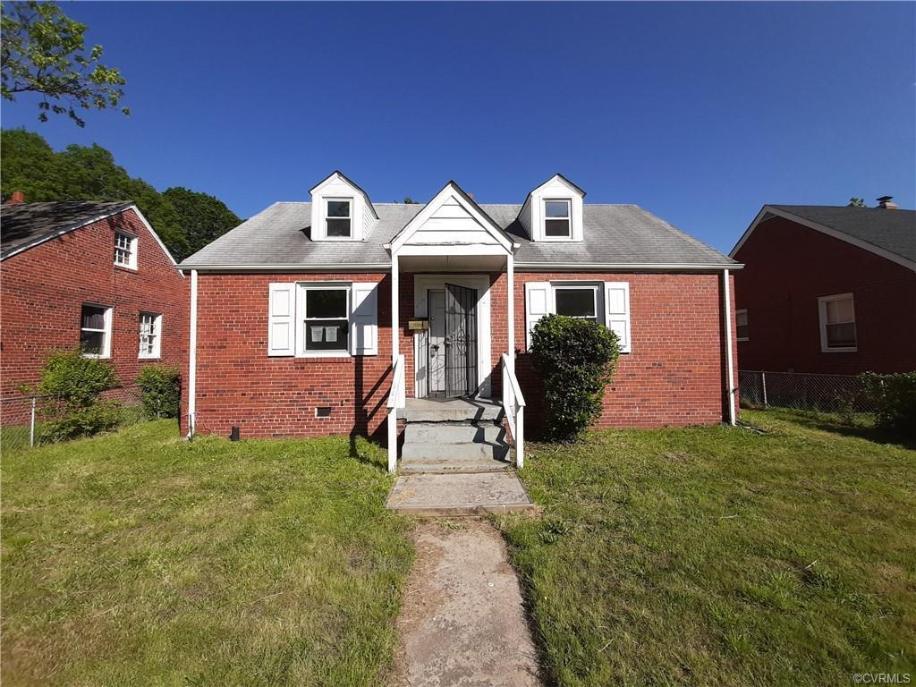 Fantastic opportunity to own a home in Richmond with this 4 bedroom/1 bath brick cape cod.  Priced r