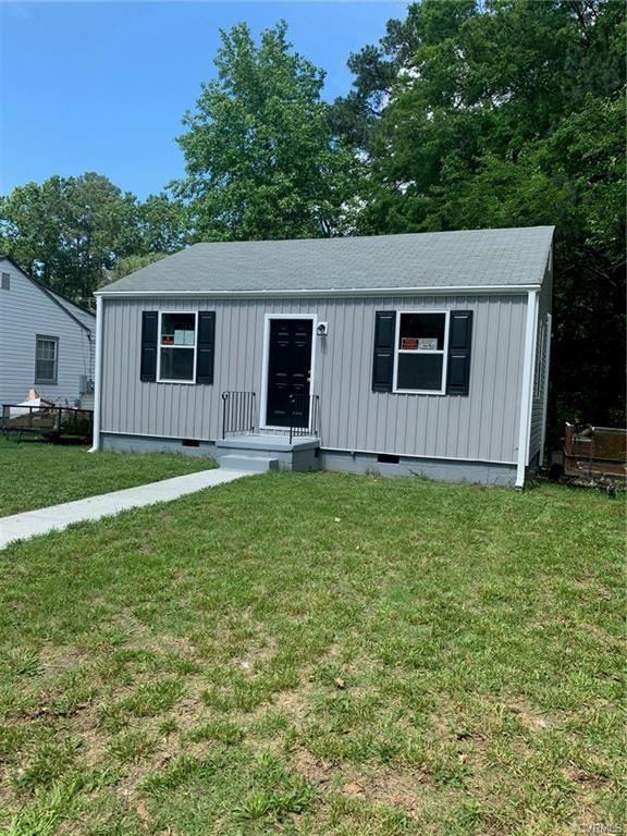 Renovated 2 bed, 1 bath home in JDP! New heat pump. New vinyl siding. Refinished hardwood floors. Up