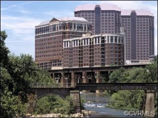 Riverside on the James: This 9th floor upgraded NW corner penthouse has dramatic city and James Rive
