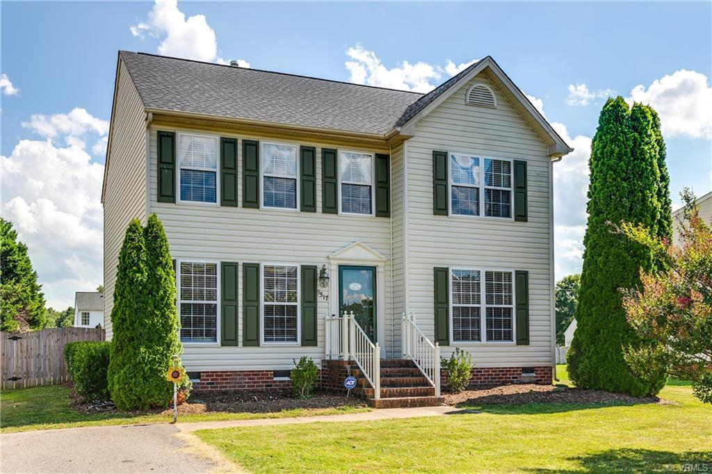 Light and Bright colonial home in Glen Allen ready for its next owners! Take advantage of this oppor