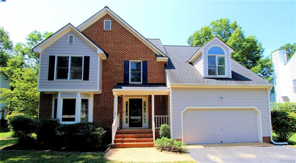 SEE VIRTUAL TOUR. MOVE-IN READY!!! Spacious 4 bedroom, 2.5 bath home with gleaming hardwood floors,