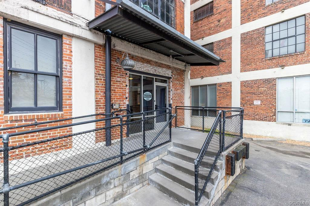 SOHO in Manchester, spacious and open loft living in Richmonds premiere up and coming neighborhood.