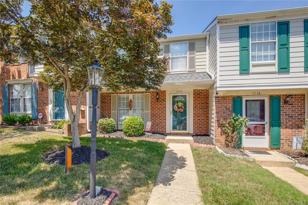 Looking for an affordable townhouse in the heart of central Henrico?  Look no more!  This townhome i