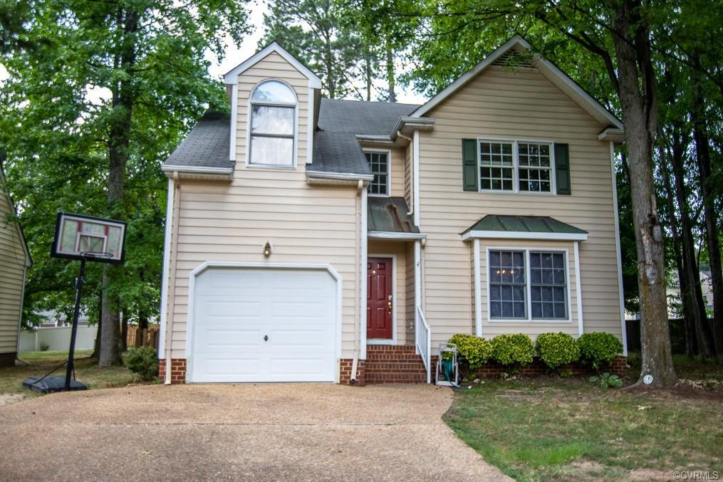 Welcome to this two story home located in Henrico County, has great potential to make it your own th